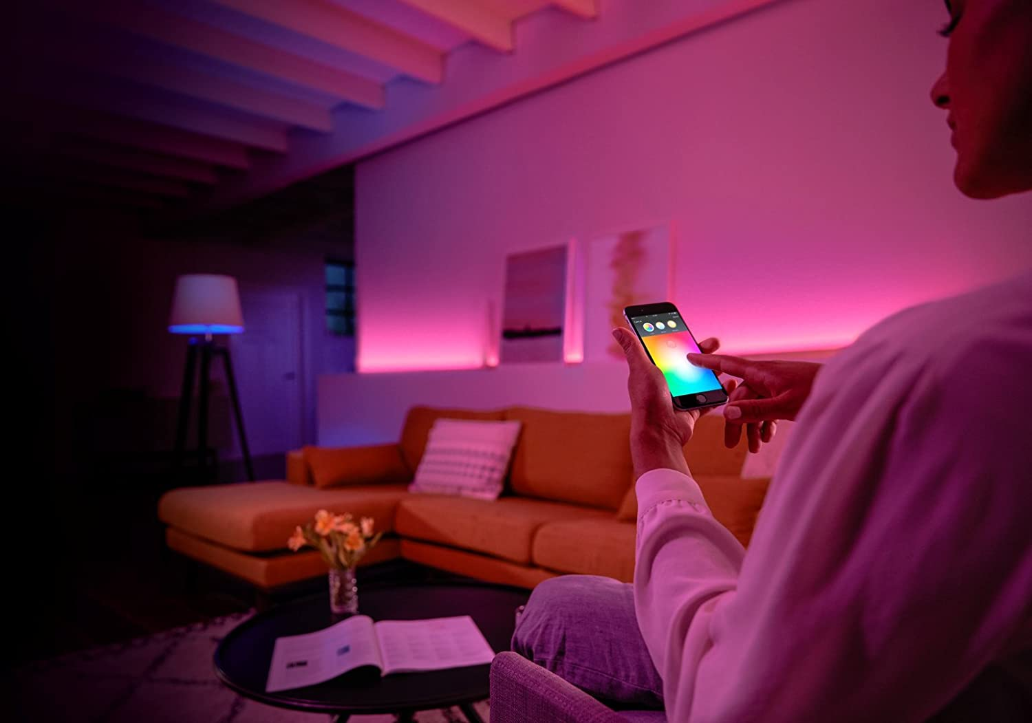 Philips Lighting White and Color Ambiance Starter Kit, un prodotto per la domotica e smart home