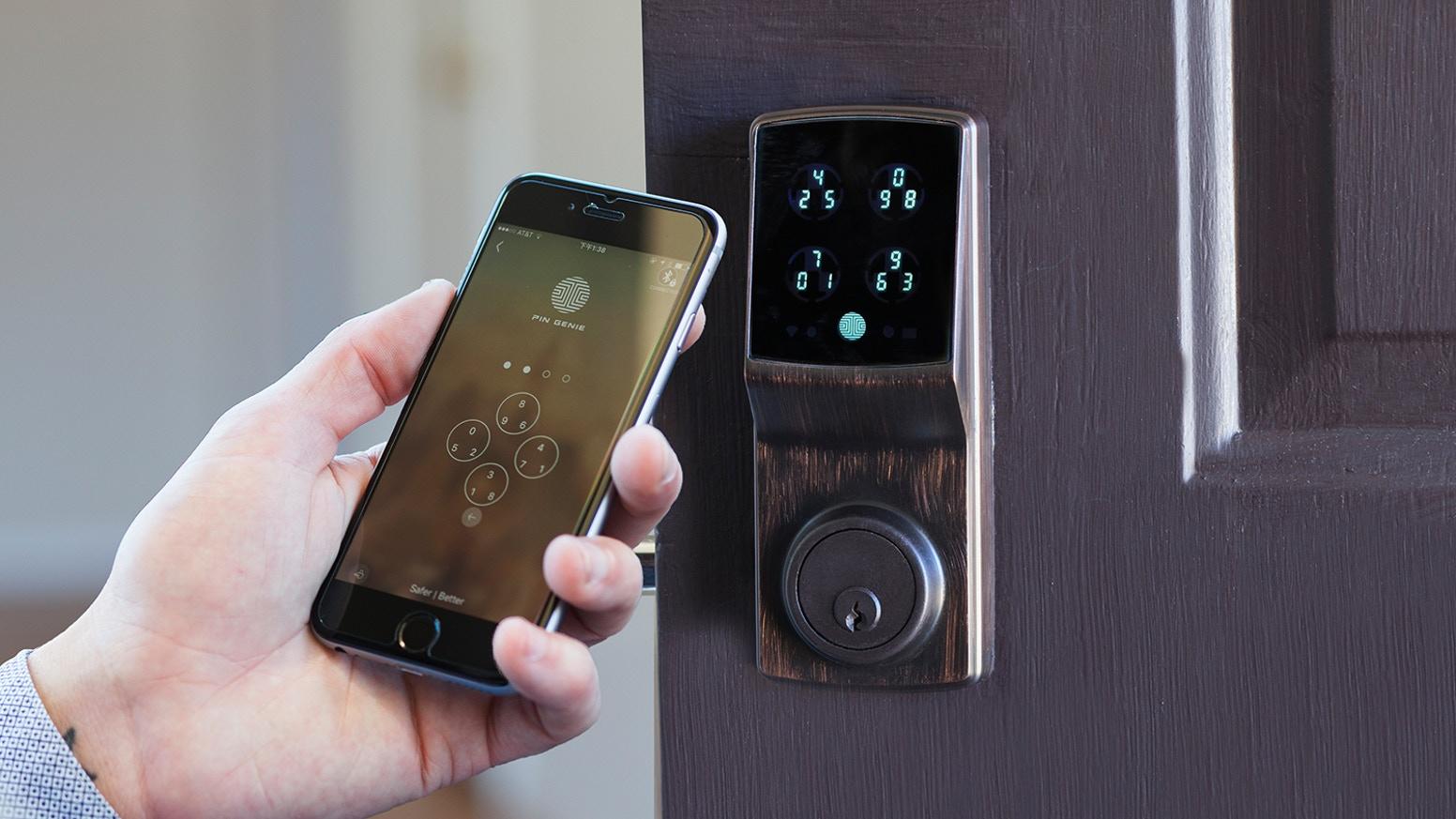 serratura intelligente e smart lock con smartphone