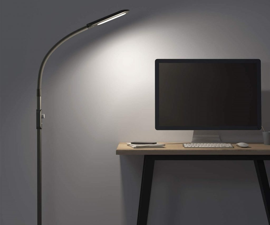 lampada da terra per scrivania aukey smart
