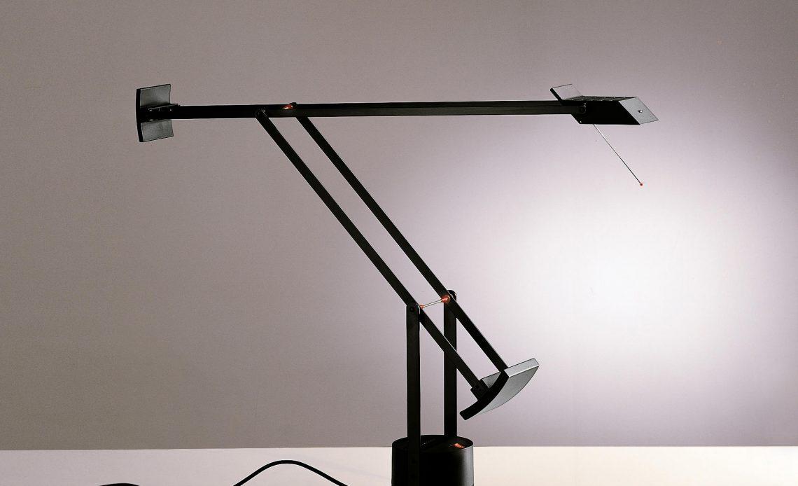 Una lampada smart da tavolo