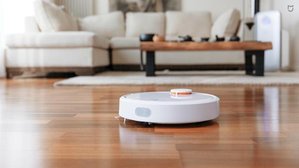 Pulizia della casa con i robot aspirapolvere