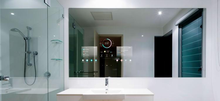 Uno smart mirror