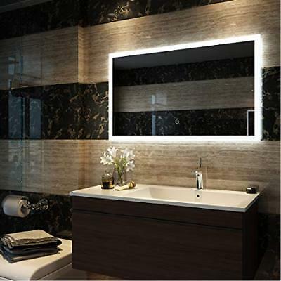 Lo specchio da bagno Emke
