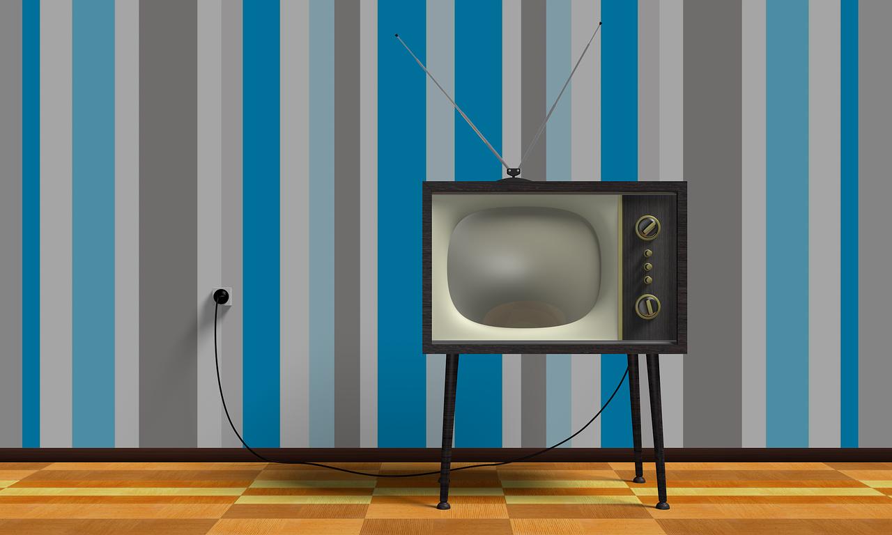 Canalina Per Fili Tv come posizionare e nascondere i cavi della tv in salotto