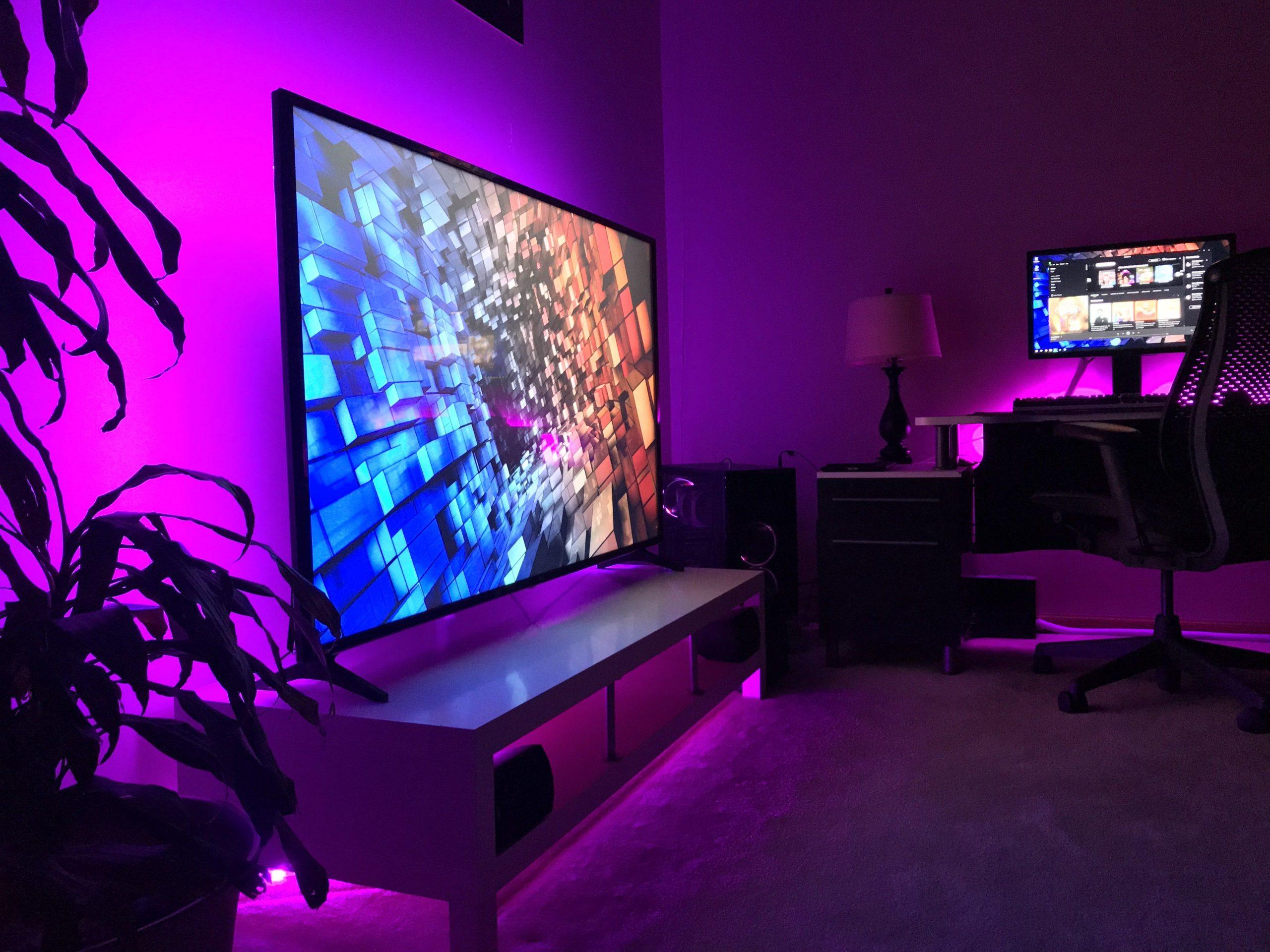 Strisce LED collocate in un salotto