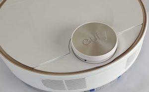 Recensione Eufy RoboVac L70 Hybrid - dettaglio sensore