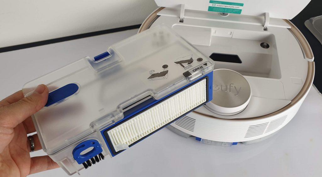 Recensione Eufy RoboVac L70 Hybrid - filtro e serbatoio
