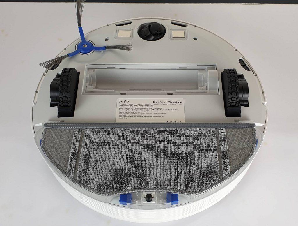 Recensione Eufy RoboVac L70 Hybrid - lato interno con mocio panno