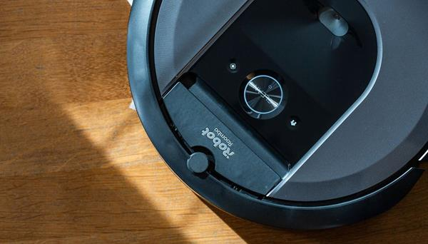Confronto robot Roomba