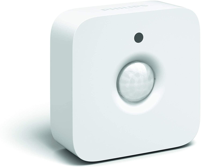 Un sensore di movimento con sfondo bianco