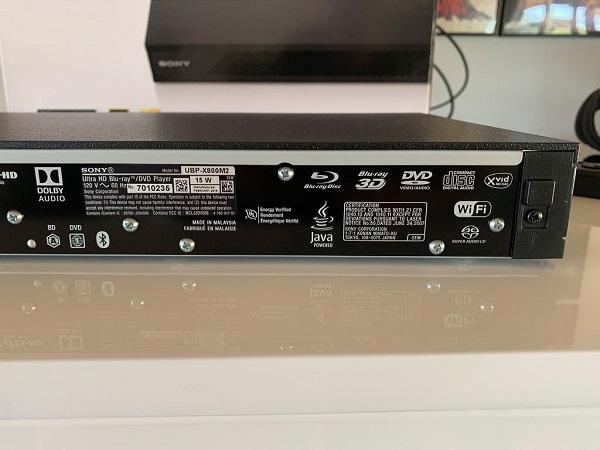 Connettività Sony UBP X800M2