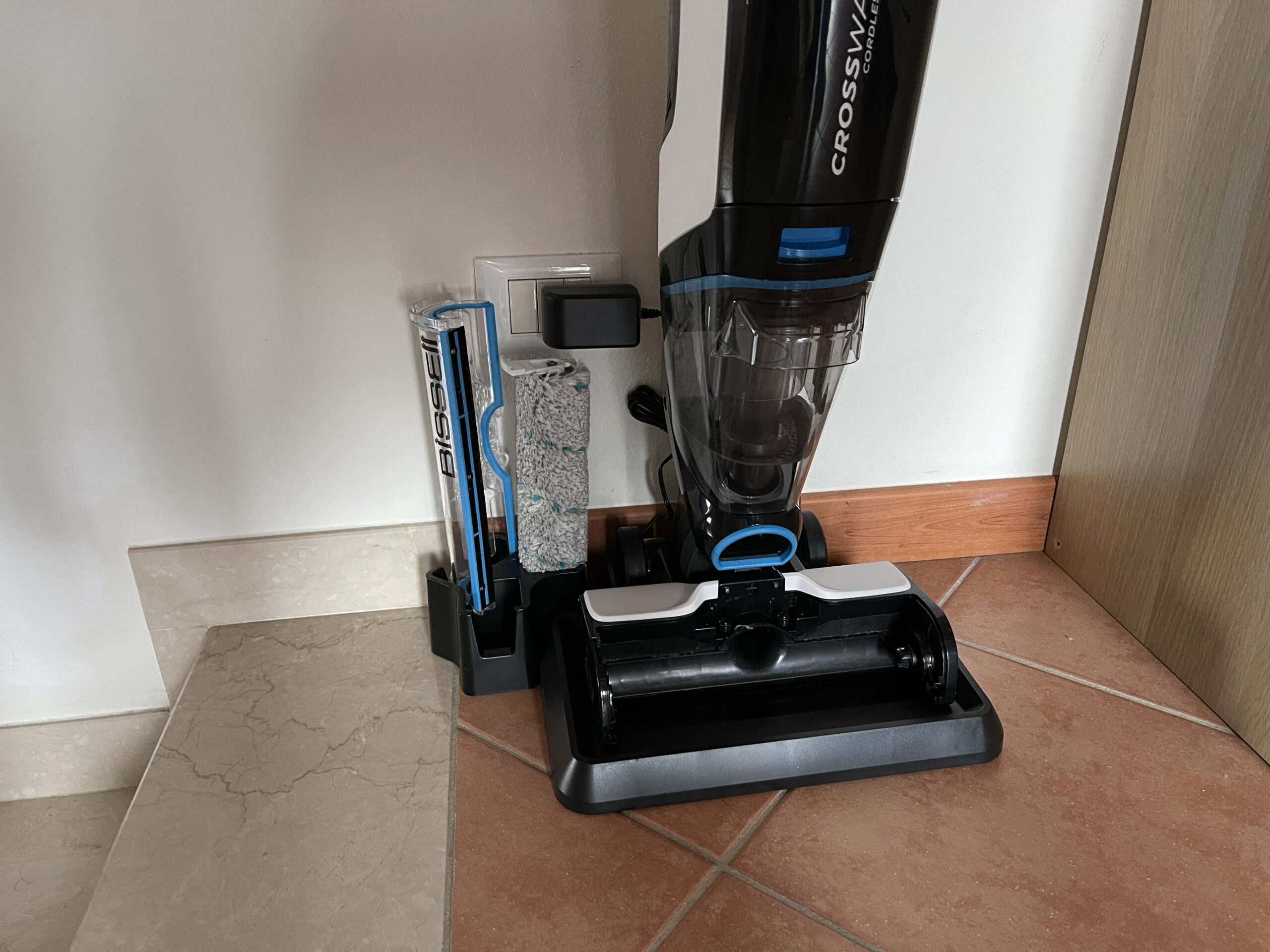 Bissell CrossWave Cordless Max post utilizzo in ricarica